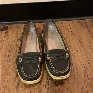 Black no tie Sperry shoes